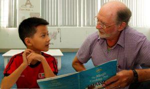 Trẻ nên học ngoại ngữ càng sớm càng tốt. Ảnh: Anh Đức.