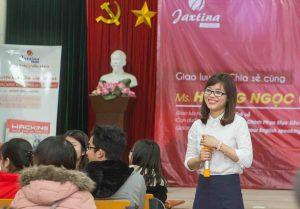 Hoàng Ngọc Quỳnh giao lưu với sinh viên Đại học Bách khoa Hà Nội. Ảnh: Nhân vật cung cấp